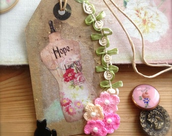 Gift Tag Keepsake Shabby Romantic Embellishment Vintage Inspired - Hope