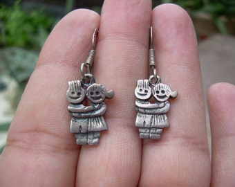 Vintage Solid 925 SS Adorable Couple in Love earrings, very cute, Hallmarked