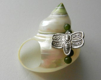 STATEMENT RING 1970s Very luminescent natural shell ring, silver and jade - Amazing Vintage Ring --Art.538/2 -