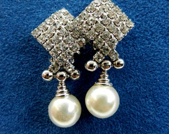 Wedding Jewel - Adorable earrings, 1960,in white, crystals and pearls for the bride elegant -Art.682/2 -