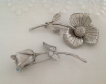 Pretty Silver Floral Brooches Rose