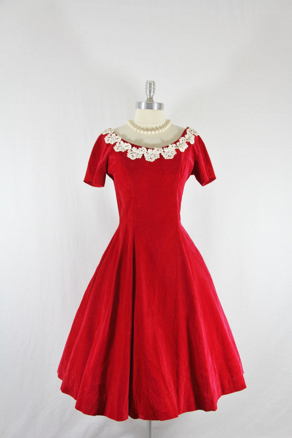 1950 S Vintage Dress Red Velvet Short Sleeve Full Skirt