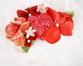 Red victorian heart valentine comb