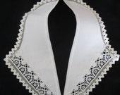 vintage COLLAR white w Lace & off-white ric rac