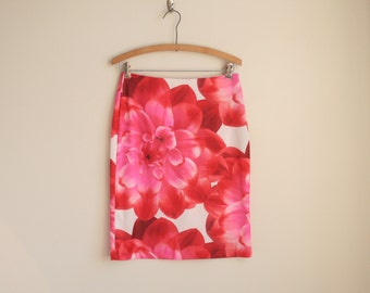 Photo Print Skirt - Red Floral