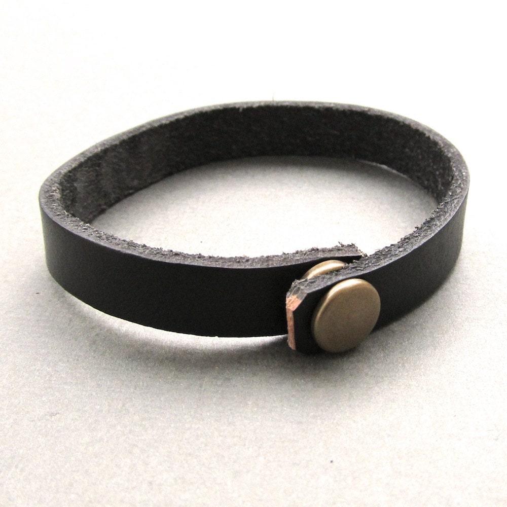Black Bracelet Womens: Mens Womens Unisex Simple Black Leather Wrap Bracelet With