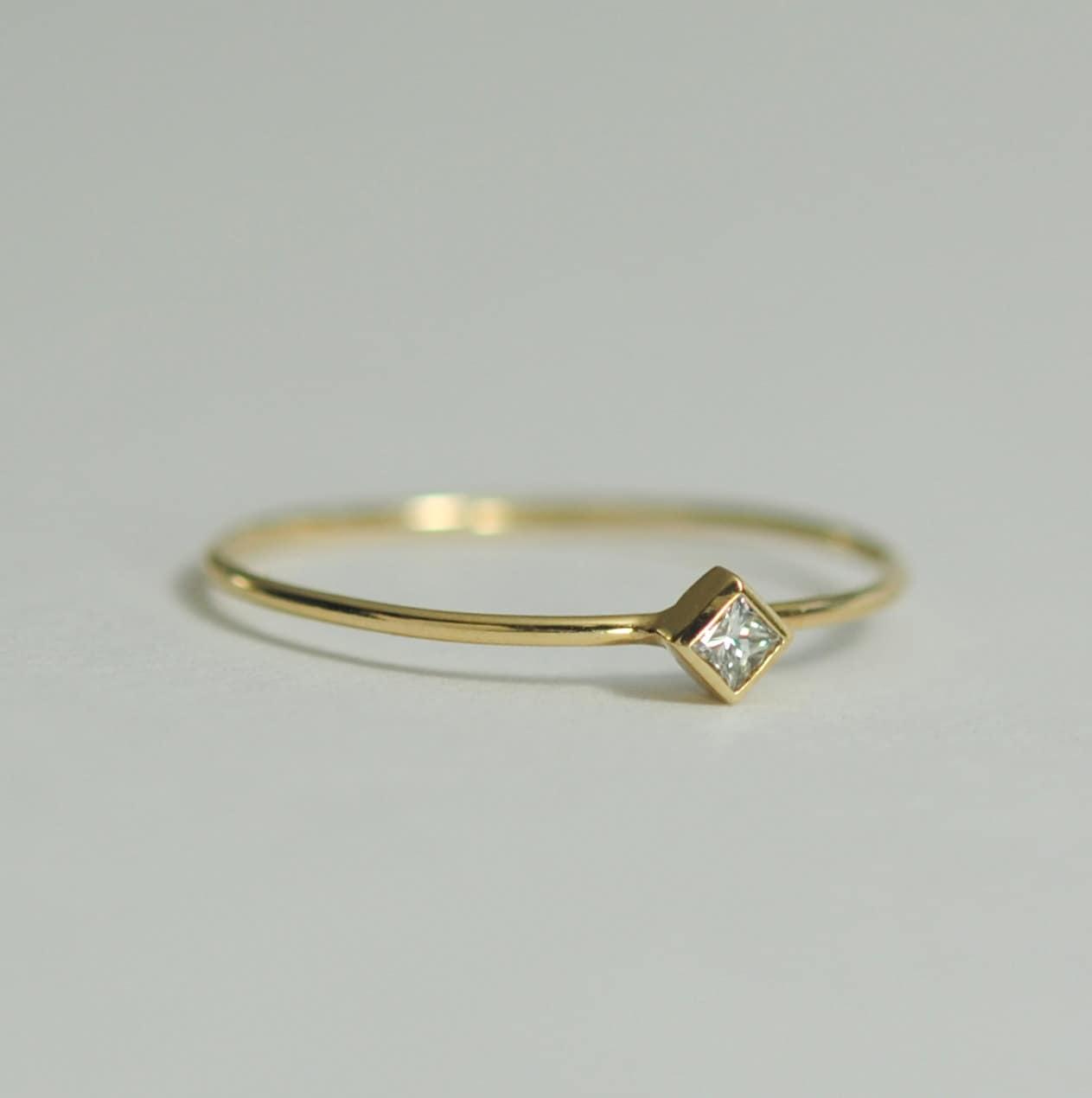 Diamond Engagement Ring 05 Carat Square Diamond 2mm With