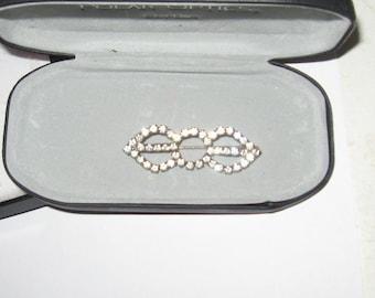 Vintage rhinestone brooch pin