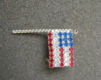Red white blue vintage rhinestone flag pin brooch with gold tone setting