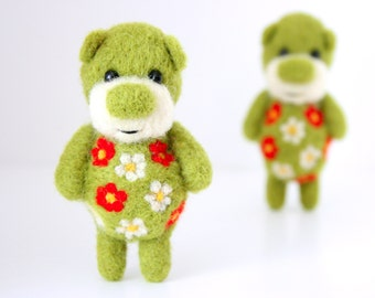 Pocket green ornamented bear