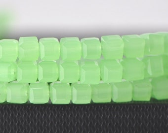Glass Crystal Cube 6mm Green Faceted  Beads -FZ0618 / 95pcs