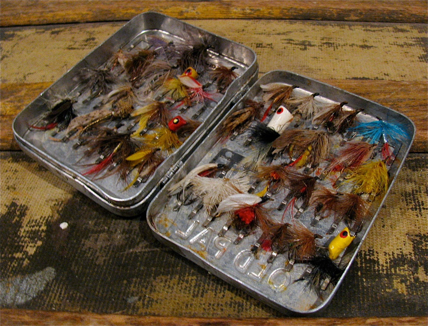 Vintage old pal fly fishing lure fly box case flies for Fly fishing box
