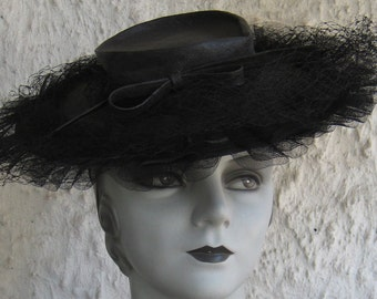 Killer Fab 40s Black Straw Tilt Hat With Netting N Bow  Hot N Sexy Hollywood