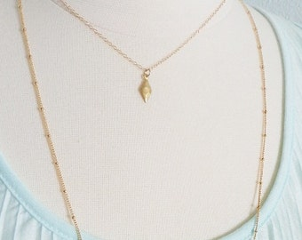Gold satellite layering chain, delicate modern jewelry