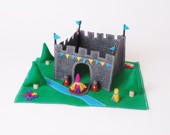 Customized Large King's Castle Play Set - Wood and Felt Includes figures - build  your own castle- Unique Gift - Zooble Felt Toy