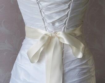 Double Face Ivory Satin Ribbon, 1.5 Inch Wde, Ribbon Sash, Bridal Sash, Wedding Belt, 4 Yards