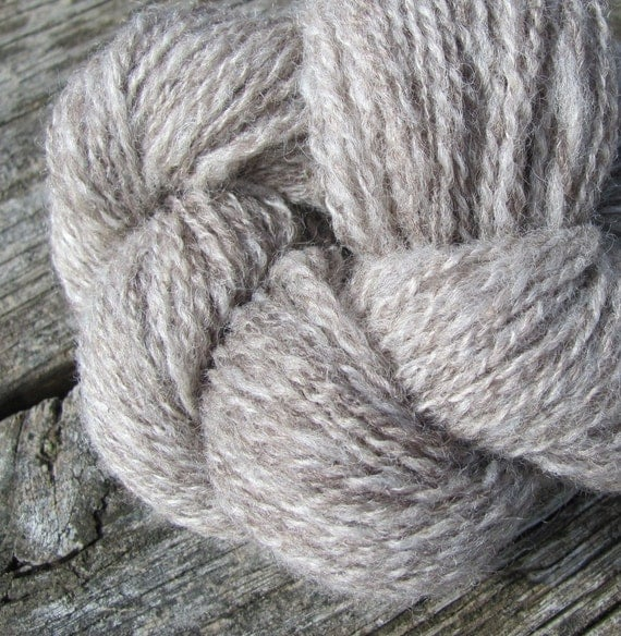 Natural Silver Gray Handspun Wool Yarn Skein, Knitting, Crochet, Weaving, Fiber Art, Textile, 2 ply Cotswold 150yds (137m), 1.48oz (42g)