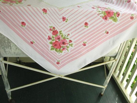 Vintage Floral Tablecloth Pink