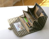 Clear ID POCKET for your wallet. Customize your wallet, ID wallet holder, houndstooth, custom wallets, custom made iphone smartphone wallets