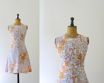 Vintage 1960s dress. 60s white cotton mini dress