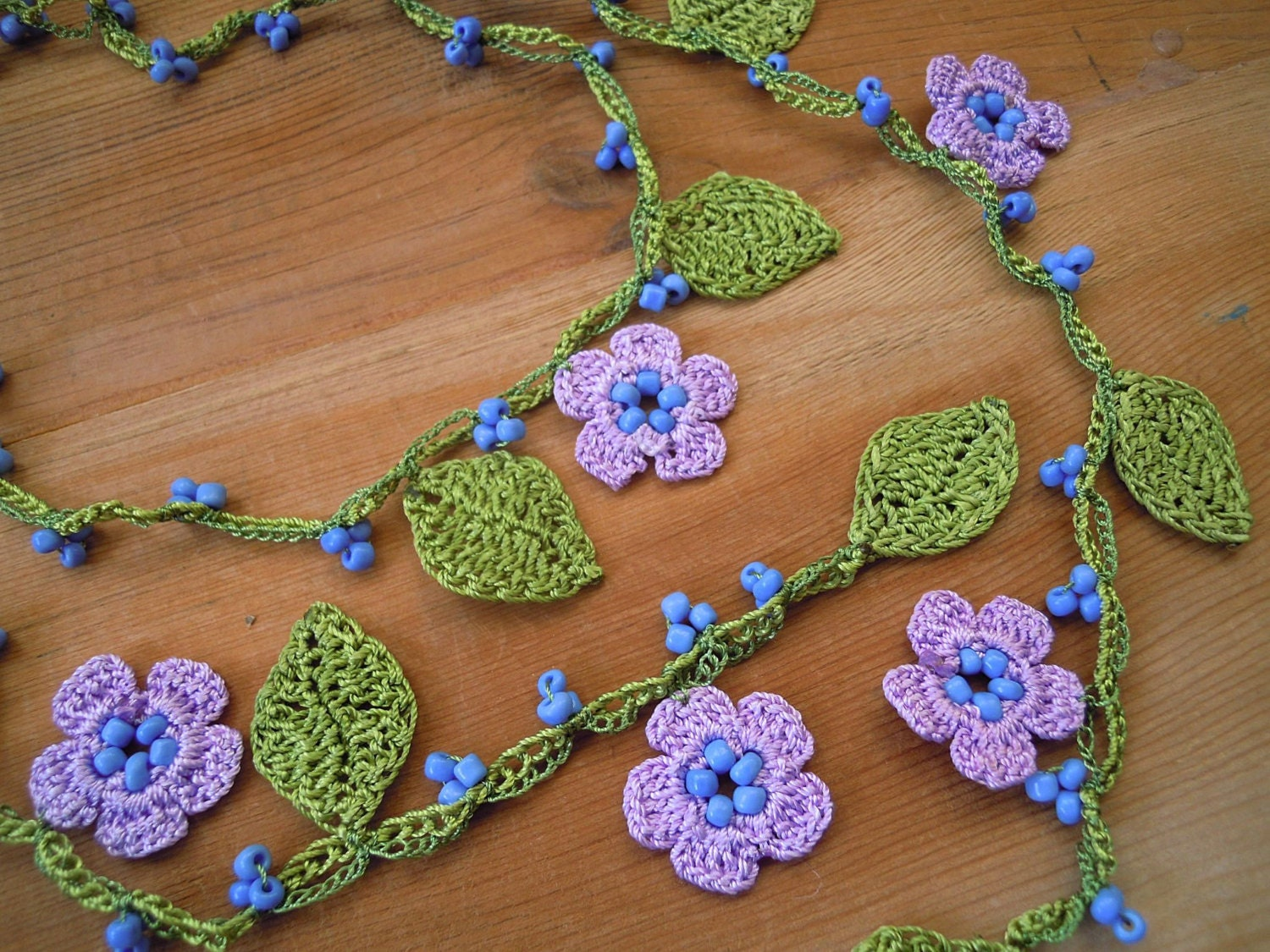 crochet necklace lariat lilac flower leaves