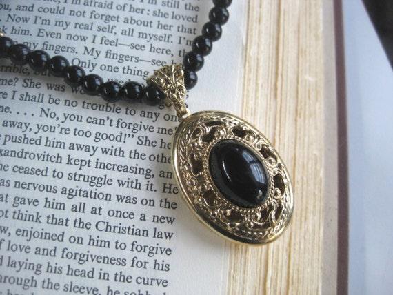 Romantic  Vintage  LOCKET Necklace Gold Tone Filigree Black Beads  FREE Shipping