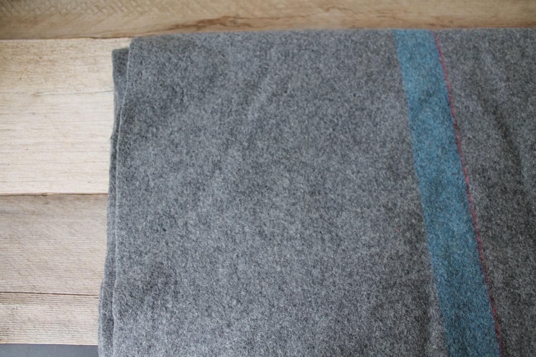 Vintage 1943 Wwii Gray Blue Military V325 Wool Blanket