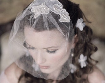 PRECIOUS PEARL Blusher with ivory silk tulle