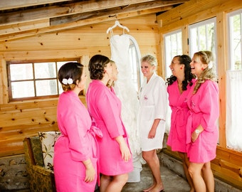 Bridesmaid Robes Set of 5 Monogrammed Waffle Weave Robes for the Wedding Party Bridesmaids Robes Gifts Bridal Gifts front embroidery