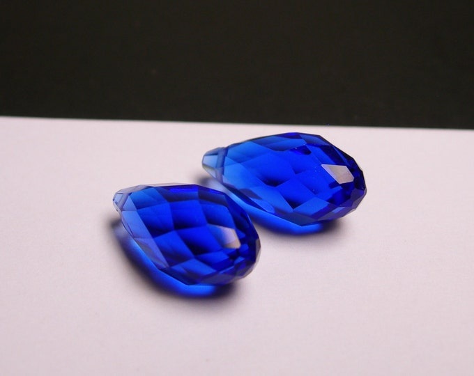 Faceted teardrop crystal briolette beads - 6 pcs - 18mm by 10mm - top sideways drill - blue