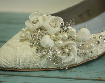 Lace Wedding Shoes - Flat Closed Toe Lace Shoes - Pearls Crystals - Ivory Wedding Lace Flats - Comfortable Flat Lace Wedding Shoes- Parisxox