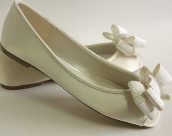 Ivory Wedding Shoes Flats - Large Bows - Choose From 100 Colors - Dyeable Wedding Shoes - Flats - Comfortable Shoes - Outdoor Wedding