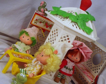 Strawberry Shortcake Garden House Gazebo Playset With Furnature and Accessories