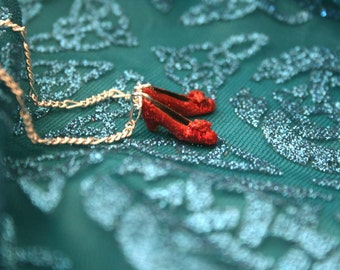 Dorothy Ruby Red Glitter slippers shoes necklace