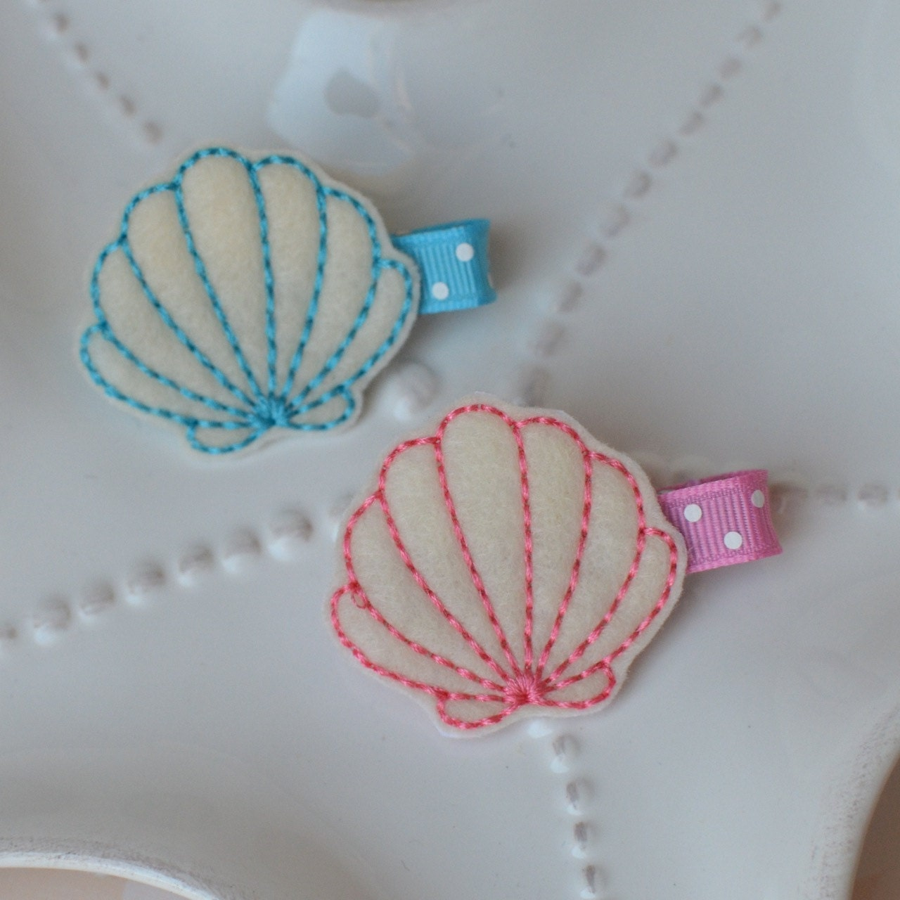 Seashell hair clip blue or pink under the sea by for Seashells for hair