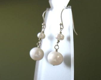 Dangling Little Earrings, Fresh Water Pearls in Sterling Silver - Casual Elegance, Wedding, Mother, Gift for Her