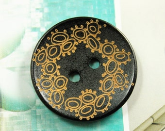 10 pieces of Japanese Style Dark Brown Concave Wood buttons with Khaki Wreath pattern. 1.18 inch