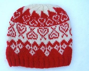 Wool hat: Cream and red heart designs