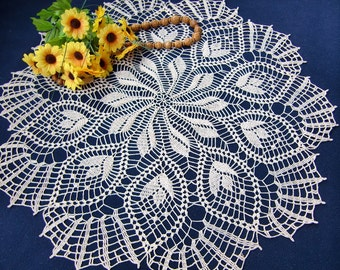 Round Doily with Stylized Tulips