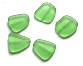 Green Sea Glass Flat Beads // Freeform Beads with Thru Holes // 5 Pieces of 21mm Beads in Peridot // Perfect for Eco-Freindly Beach Lovers