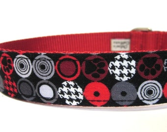 Red and Black Paw Prints Houndstooth Dog Collar