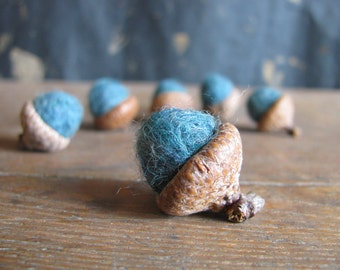 Felted wool acorns, set of 6, Teal Heather, wool waldorf acorns, teal felt acorn, natural woodland home decor, woodland birthday party favor
