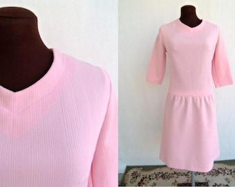 Vintage 60s Dress Pink Ribbed Polyester Knit Dropped Waist Size M  / Medium