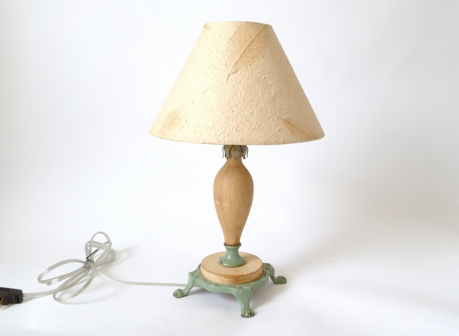 vintage small cast iron and wood table lamp by cushionchicago. Black Bedroom Furniture Sets. Home Design Ideas