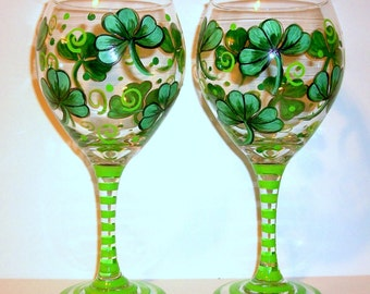 Shamrocks 4 Leaf Clover St. Patrick's Day Hand Painted Wine Glasses Set of 2 - 20 oz. Red Wine Glasses St. Patty's Day Kelly Green