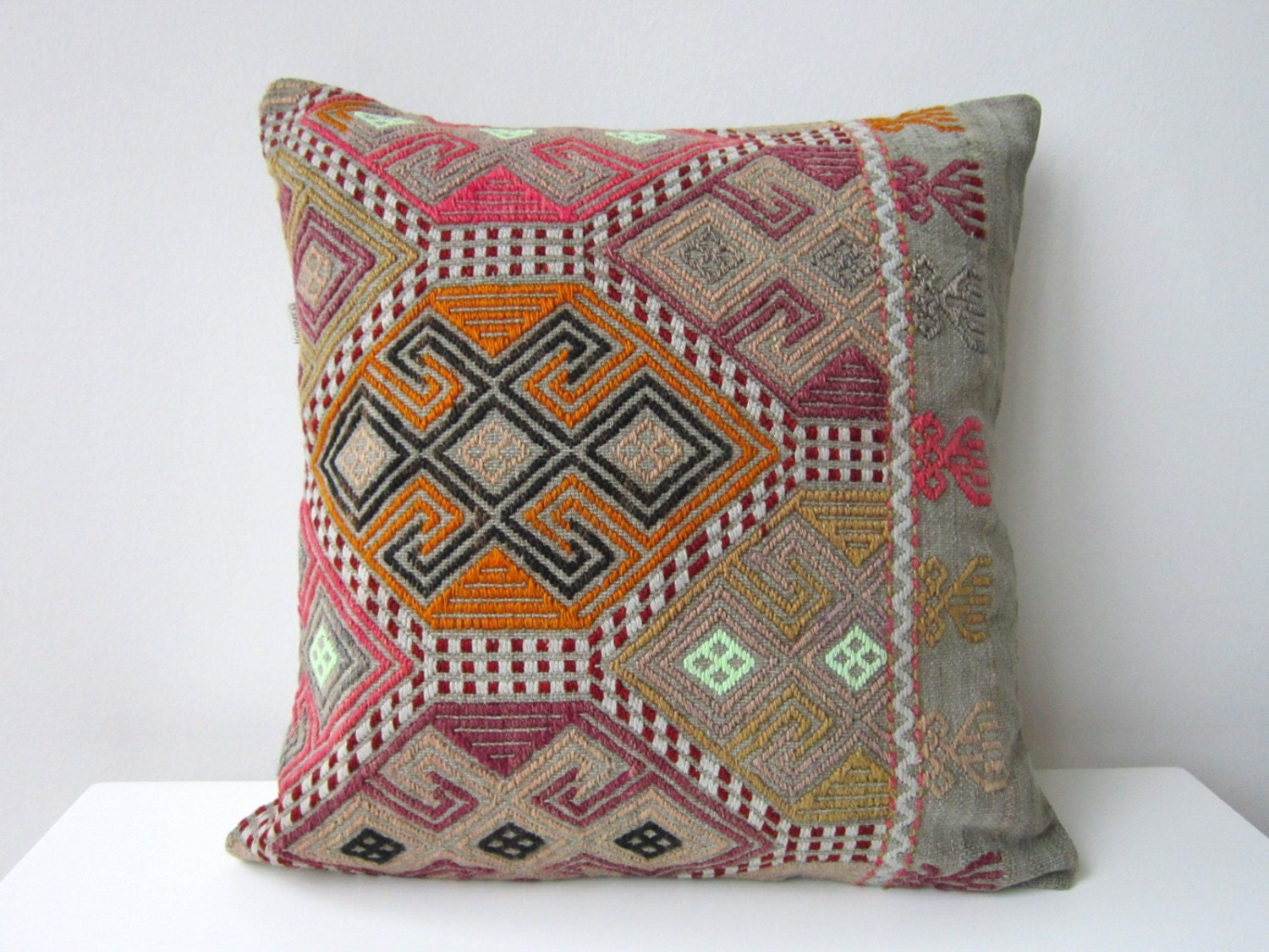 Throw Pillows And Rugs : Handwoven Turkish Rug Pillow Cover Decorative by mothersatelier