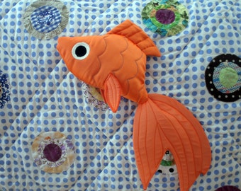PATTERN: Crackle Fish Toy