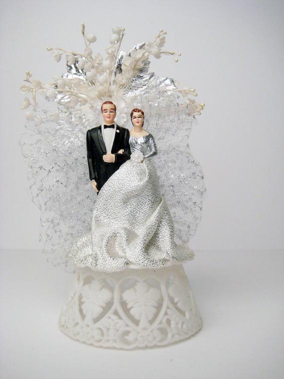 vintage wedding cake topper 50s vintage bride and groom. Black Bedroom Furniture Sets. Home Design Ideas