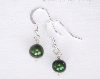 Pearl Earrings Forest Green Freshwater Pearls Silver Dangle, Birthstone green Earrings, Spring Fashion, Petite Bridesmaids gift