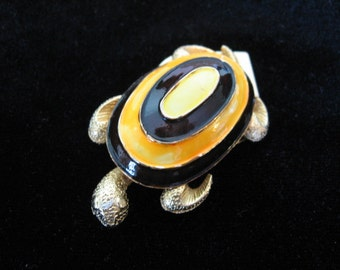 Vintage MANDLE Clip - Mandel Enamel Turtle Clip